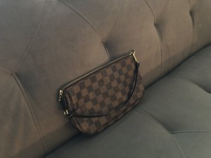 pochette louis vuitton canvas