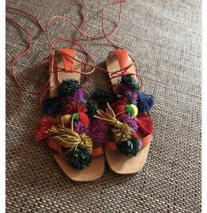 Pom Pom Sandalen von Zara