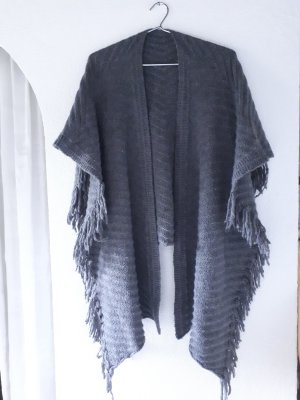 Knitted Poncho grey