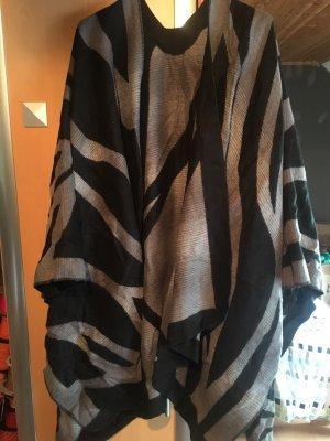 Poncho Animalprint Zebra Schwarz grau Strick wolle Cape