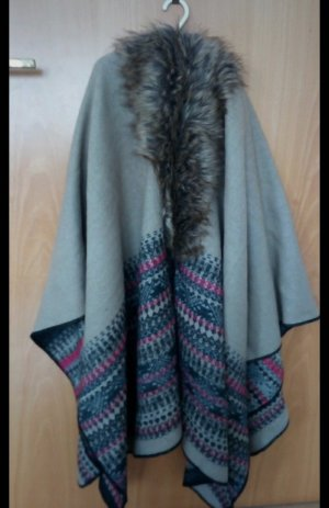 Blind Date Poncho grey brown