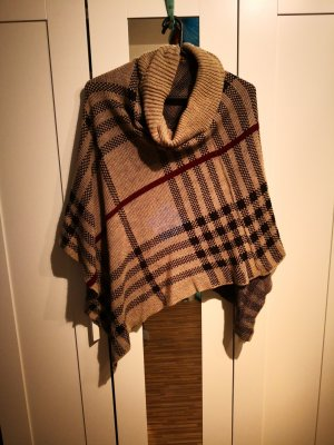 Poncho Burberry Style