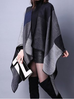 Poncho Cape grau schwarz Wolle
