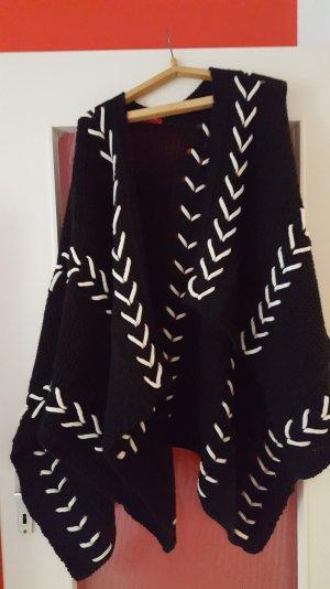 poncho/capes von s oliver schwarz weiss