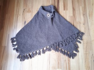 Knitted Poncho grey brown