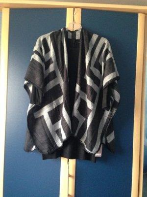 Poncho in Blanket-Stil