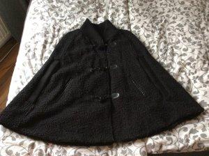 Poncho Jacke Schwarz Bershka 1x getragen Wolle Baumwolle Polyester wie neu