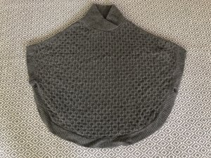 Massimo Dutti Knitted Poncho grey