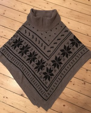 Poncho mit norwegischem Muster