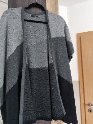 Poncho von Opus in schwarz-grau