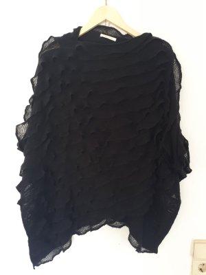 poncho von pieces in schwarz