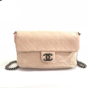 Chanel Borsa a tracolla rosa