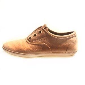 Powder Color  Louis Vuitton Sneaker