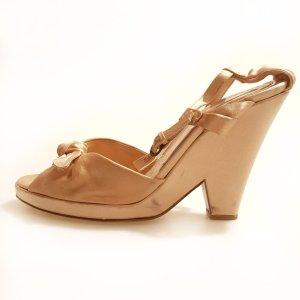 Powder Color  Moschino High Heel