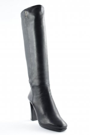 Prada Botas con tacón negro estilo clásico