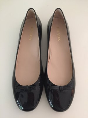 PRADA Ballerinas 39,5 Schuhe Schwarz Slipper Lackleder Leather Loafer Black NEU