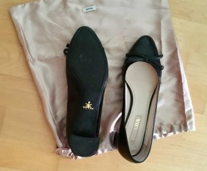 Prada Bailarinas con punta negro