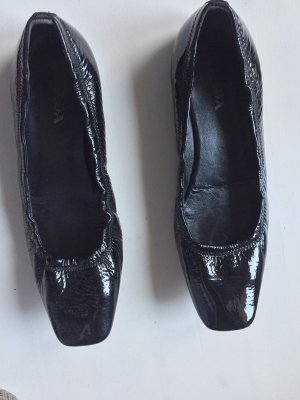 Prada Patent Leather Ballerinas black