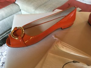 PRADA Ballerinas in Orange mit goldener Schnalle