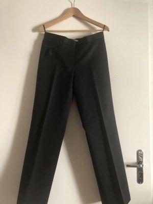 Prada Bundfaltenhose in schwarz, ital. Größe 42