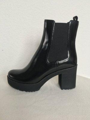 Prada, Chelsea-Boots, Leder, schwarz, 39,5, neu, € 850,-