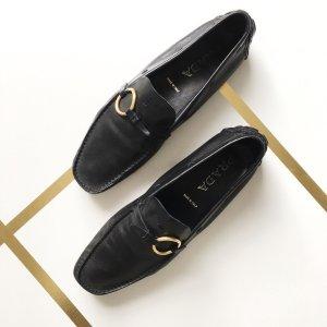 PRADA Damen Slipper Mokassins 39 Schwarz Leder Schuhe Goldene Schnalle