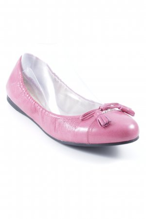 Prada Bailarinas plegables rosa look casual