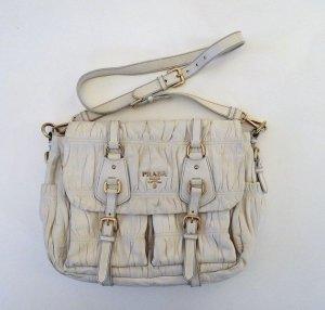 PRADA Handtasche beige mit gold Applikationen