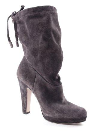 Prada Botas de tacón alto gris oscuro estilo romántico