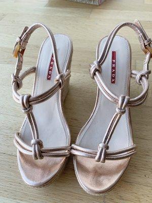 Prada Keilabsatz Sandalen, neuwertig