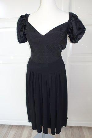 PRADA Kleid. Das kleine Schwarze, aber richtig raffiniert !! Aus der Kollektion Fall/Winter 2002, ital. 46 (EUR 40/42)