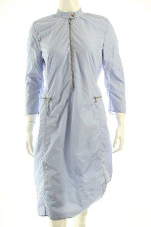 Prada Kleid himmelblau extravaganter Stil