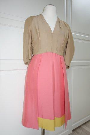 PRADA Kleid, ital. 44 (EUR 40), in Bonbonfarben, Wer dieses Kleid trägt zieht alle Blicke auf sich ! :)