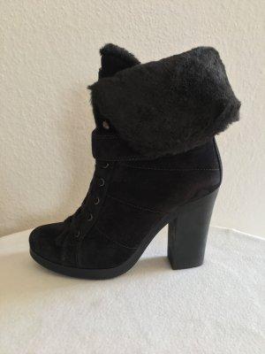 Prada, Lammfell-Boots, schwarz, gefüttert, 38,5, neu, € 1.000,-
