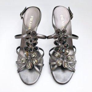 Prada Sandalo con cinturino grigio Pelle