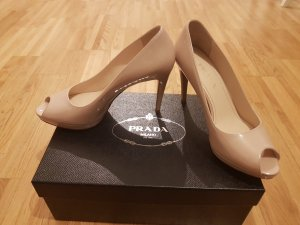 Prada peep toe Pumps aus Lackleder