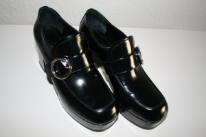 Prada Loafers zwart Leer