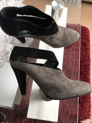 Prada Chaussure à talons carrés noir-gris