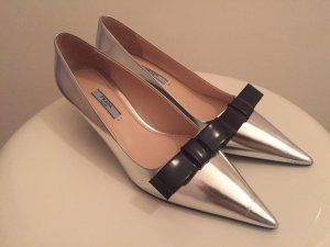PRADA Pumps Kitten Heel Silber