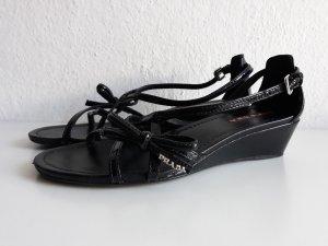 Prada Sandalo con cinturino e tacco alto nero