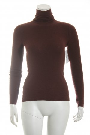 Prada Turtleneck Sweater bordeaux casual look