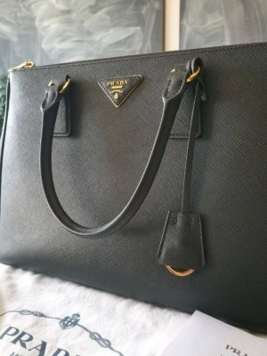 21f37291d1 Prada Secondhand Online Store | Prelved
