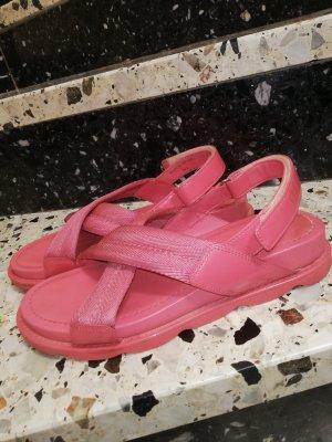 Prada Sandalias cómodas rosa