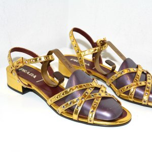 Prada Sandalen in Gold aus Leder