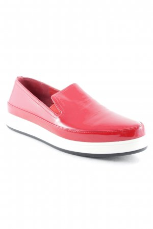Prada Instapsneakers rood-wolwit atletische stijl