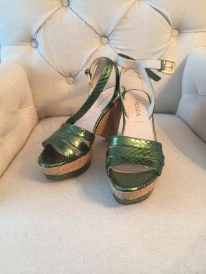 Prada Schuhe mit Bast grün