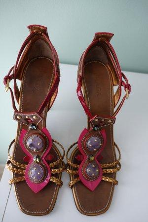 PRADA Schuhe, Sandaletten, aus Lackleder in rot und pink, mit großen Schmucksteinen besetzt, Gr. 40