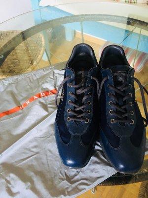 Prada Sneaker stringata blu scuro