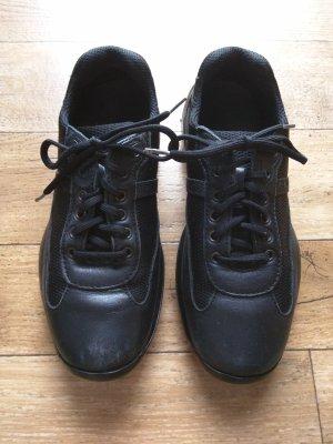 Prada Sneakers met veters zwart Leer