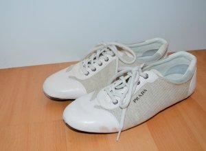 PRADA Sneakers weiß in Top-Zustand